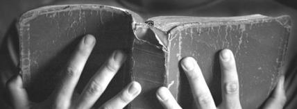 Old_Bible_in_hands